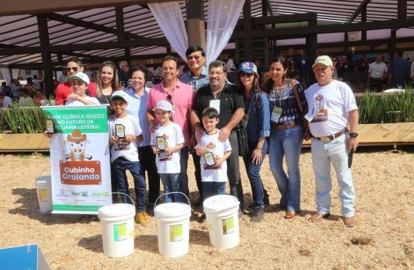 Clubinho Girolando premia participantes no último dia da Megaleite 2017